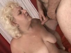 Fat mature gets cum on tits in bed bbw sex